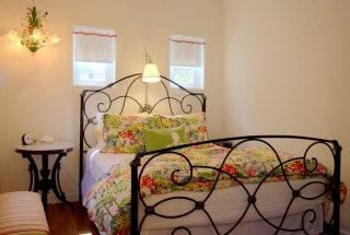 Room6-1-Bedroom_IMG_7433b