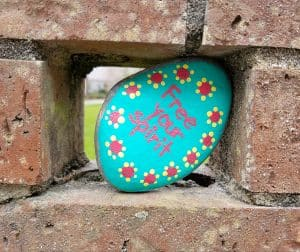 Picture of a Kindness Rocks rock that says Free Your Spirit